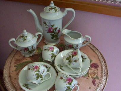 Royal Sealy Roses Tea Set