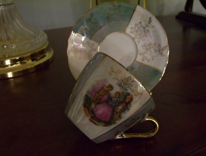 Petite Victorian Cup & Saucer